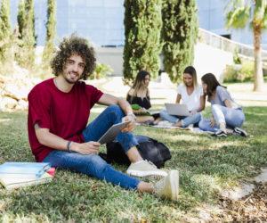 Carteira de Estudante: saiba como solicitar a sua